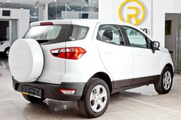 Ford EcoSport Trend -   209